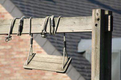 Les balançoires en bois